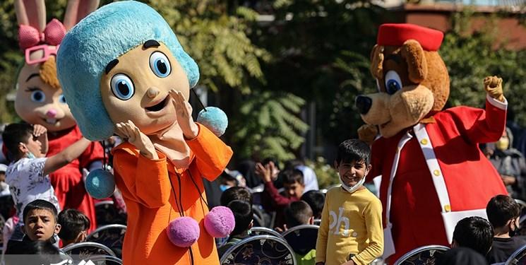 هزاران کودک در مناطق کم برخوردار  جشن گرفتند